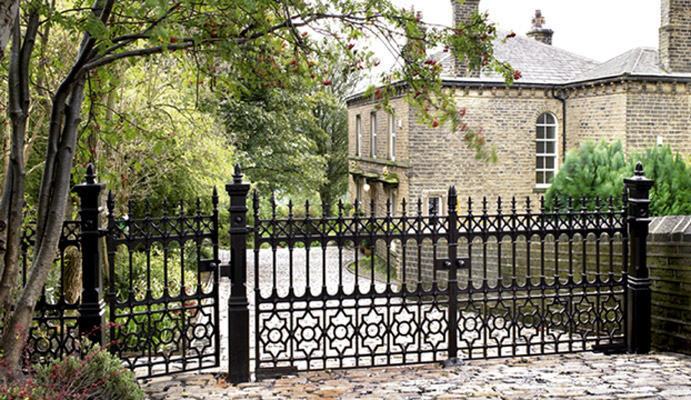 Stewart Victorian reproduction driveway gates in cast iron
