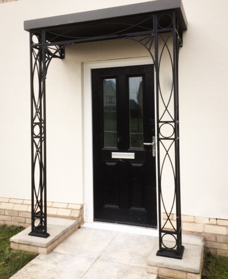 Nouveau Modern Metal Porch with Flat Complete Roof