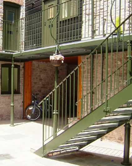 Balcony & Walkway Metal Railings